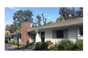 6051 Spring Valley Rd, Hidden Hills, CA 91302