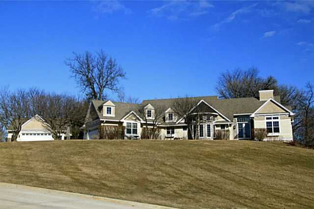 waukee singles 3895 sandstone pt, waukee, ia - contact safeta pajazetovic about this single family home listing in waukee waukee schools in dallas county trust coldwell banker mid-america group for the most complete listings in waukee.