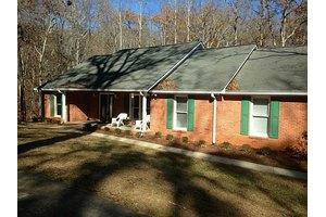 6005 Hickory Bend Dr, Douglasville, GA 30135