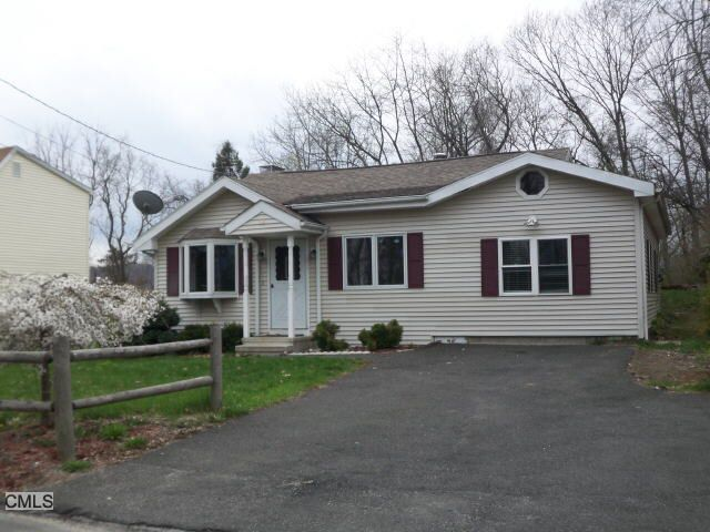 52 Berkshire Dr, Brookfield, CT 06804