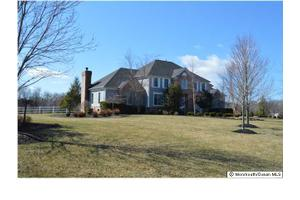 13 Bretwood Dr N, Colts Neck, NJ 07722