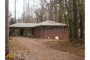 3166 Cloverhurst Dr, East Point, GA 30344