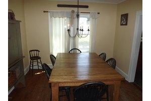 110 Oak Ave, Matamoras, PA 18336
