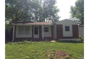 10332 Royal Dr, St Louis, MO 63136