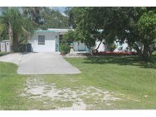 949 San Carlos Dr, Fort Myers Beach, FL 33931