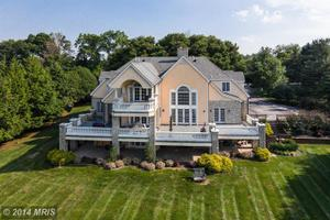 808 Hillstead Dr, Lutherville Timonium, MD 21093