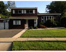 9 Alpha Ave, Old Bridge, NJ 08857