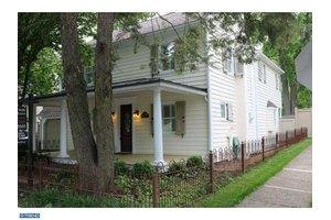 187 E Ashland St, Doylestown, PA 18901