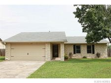 2775 W 111th Pl S, Jenks, OK 74037
