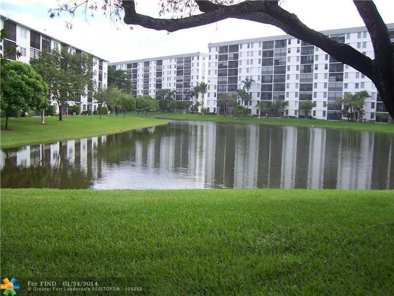 2228 N Cypress Bend Dr Apt 104 Pompano Beach, FL 33069