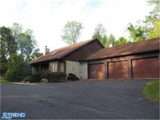 385 Golf Rd, Reinholds, PA 17569