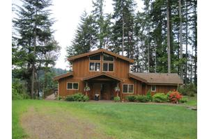 1260 E Island View Rd, Grapeview, WA 98546