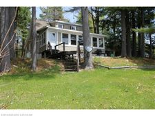 637 Sunflower Ln W, Sidney, ME 04330