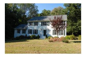 10 Crossbow Ln, Monroe, CT 06468