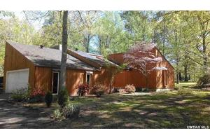 206 Candlewood Cv, Jackson, TN 38305