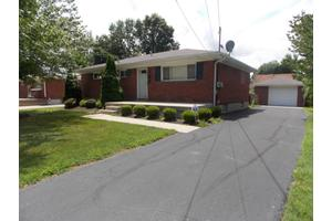 7806 Carnation Dr, Louisville, KY 40258
