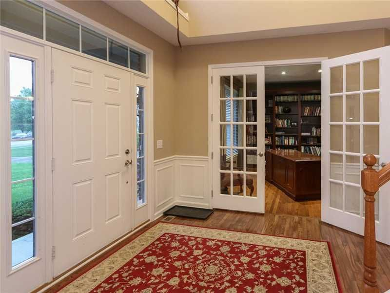 6532 briarwood pl zionsville in 46077 for Kitchen cabinets zionsville