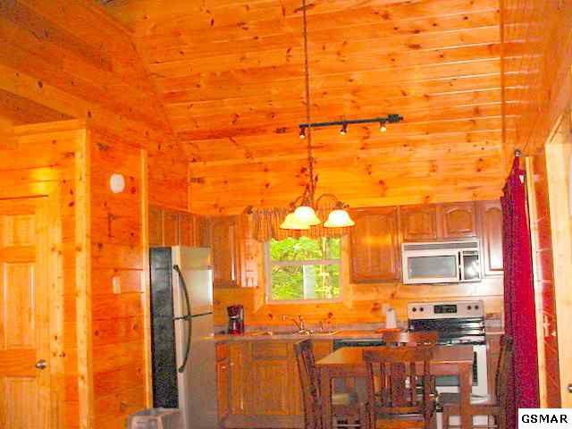 1501 Lake Dr, Gatlinburg, TN 37738