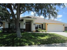 570 Hunters Run Blvd, Lakeland, FL 33809