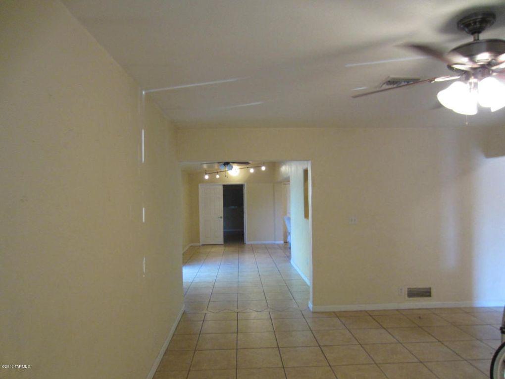 3130 E Seneca St, Tucson, AZ 85716