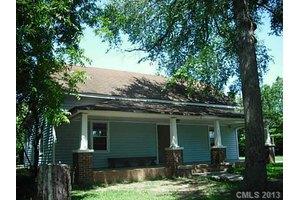 1022 S Parker St, Monroe, NC 28112