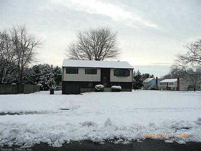 33 Jonathan Ln, East Hartford, CT