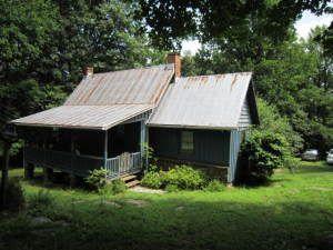 1807 Larkin Ln, Bedford, VA