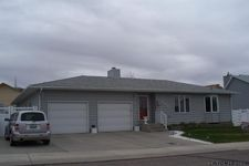 655 Ironwood St, Green River, WY 82935