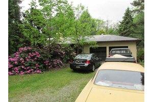 6 Lockwood Dr, Hempfield Township Wml, PA 15644