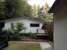 17301 Canyon Dr, Brookings, OR 97415