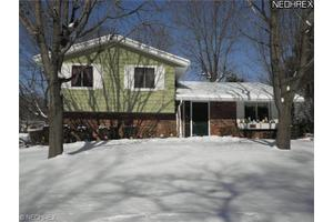 271 Houghton Rd, Northfield, OH 44067