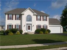 5918 Monocacy Dr, Hanover Township, PA 18017
