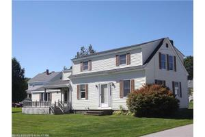 25 Steamboat Ave, Searsport, ME 04974