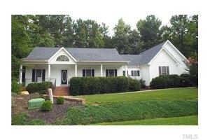 104 Brigsley Cir, Clayton, NC 27527