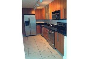 7501 E Treasure Dr Apt 3p, North Bay Village, FL 33141