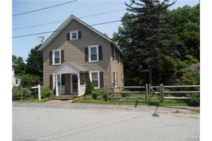 12 Orchard St, Patterson, NY 12563