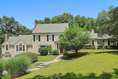 538 Cascade Rd, New Canaan, CT 06840