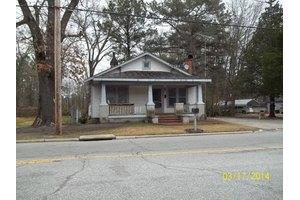 1313 Cokey Rd, Rocky Mount, NC 27801