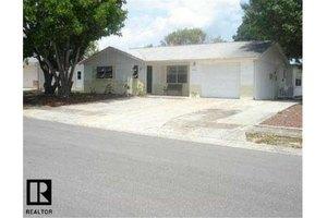 7752 Heather St, New Port Richey, FL 34653