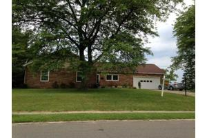 374 E Lakeview Blvd, Erie City, PA 16504