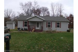 1173 Chicago Ave, Benton Harbor, MI 49022