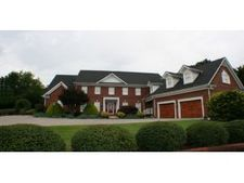 1012 Rotherwood Dr, Kingsport, TN 37660