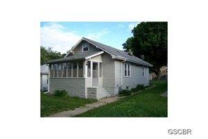 4306 Garretson Ave, Sioux City, IA 51106