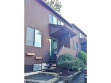 87 Willowbrook Ave Unit E, Stamford, CT 06902