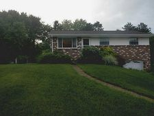 215 Greenwood Dr, Cranberry Twp, PA 16066