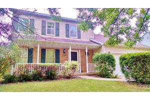 3506 Country Grove Dr, Madison, WI 53719