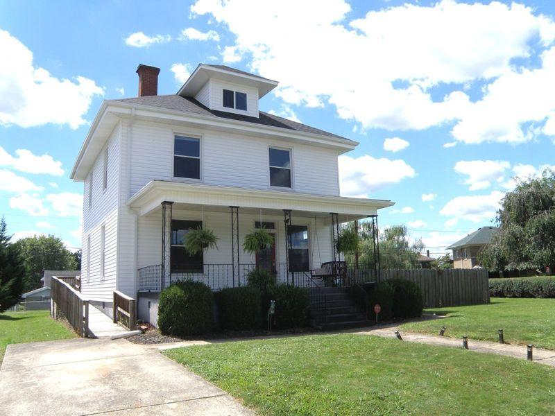 2922 hampton st ashland ky 41101 home for sale real estate. Black Bedroom Furniture Sets. Home Design Ideas