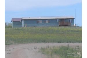 57004 Arrowhead Loop, Christmas Valley, OR 97641