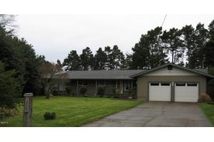 210 NE Chambers Ct, Newport, OR 97365