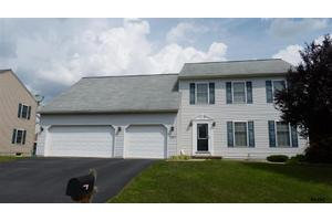 245 Silver Maple Ct, Mt Wolf, PA 17347